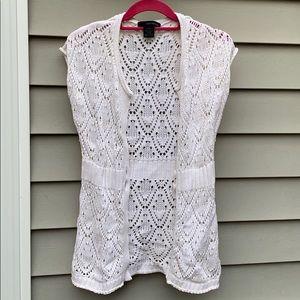 Lace knit sleeveless sweater vest